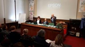Il presidente della UPEL dà il via all'incontro